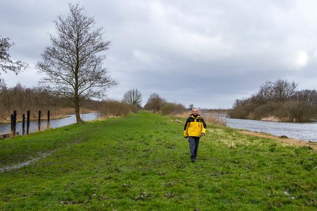 Dammerweg between the Ankeveen Lakes